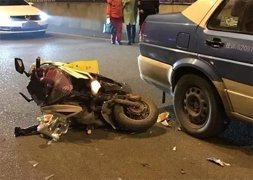 意外险拒赔案例:男子骑电动车出事故 保险公司拒赔100万!