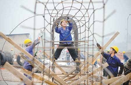 建筑公司为工人投保团意险!工人高处坠亡!两家保险公司居然拒赔了!