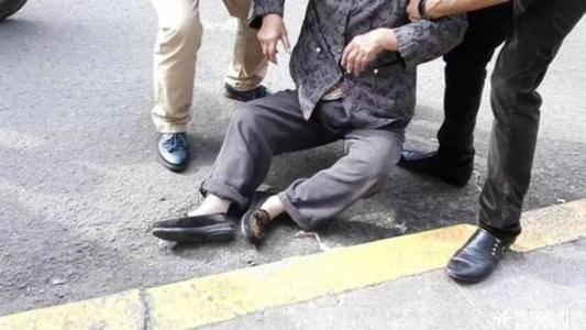 意外险拒赔案例:65岁老人上厕所时摔倒身亡 保险公司拒赔80万意外险!