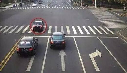 闯红灯发生意外 意外险能赔吗?哪些情况下意外险不能赔?