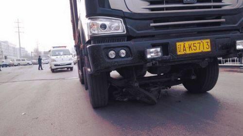 男子以身挡车被撞身亡 车险为什么拒赔?车险理赔的流程有哪些?